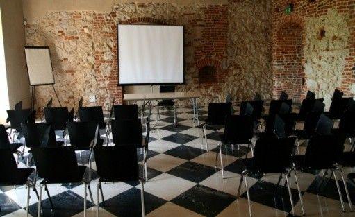 zdjęcie sali konferencyjnej, Dom Gości Opactwa Benedyktynów w Tyńcu, Kraków