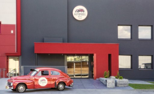 Automobil Hotel