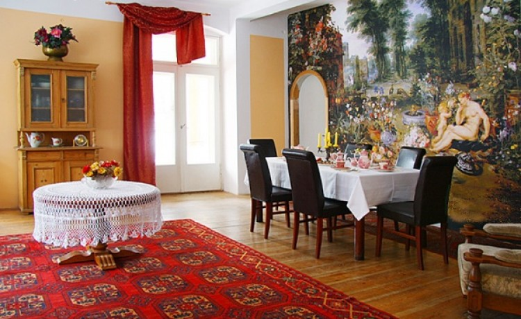 zdjęcie sali konferencyjnej, Pałacyk Trzcińsko , Janowice Wielkie