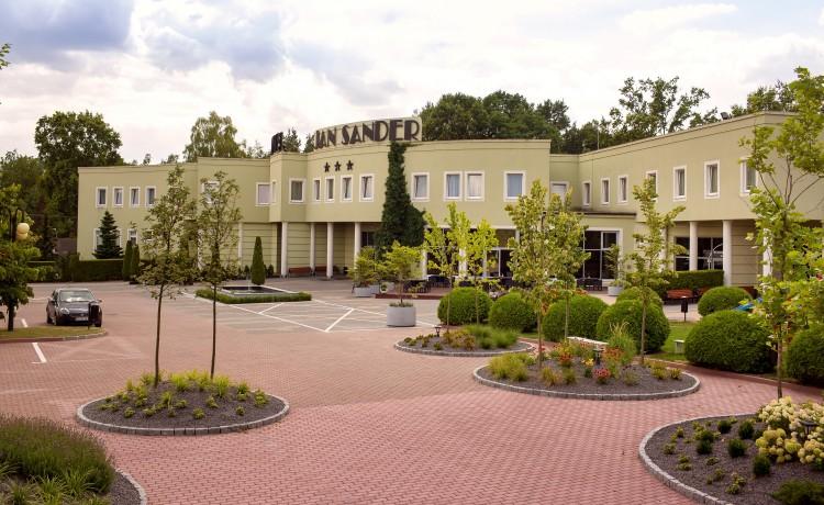 Obiekt szkoleniowo-wypoczynkowy Jan Sander Hotel / 0