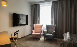 Jan Sander Hotel Obiekt szkoleniowo-wypoczynkowy / 1