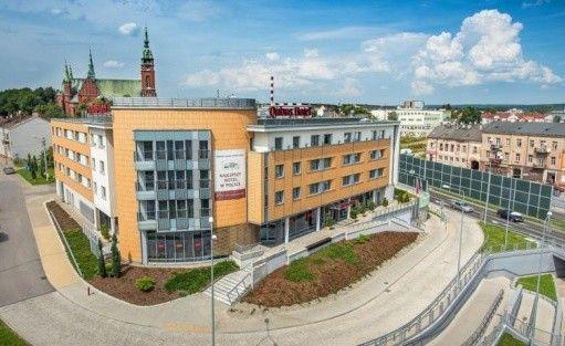 Hotel **** Qubus Hotel Kielce / 0