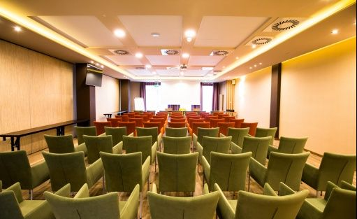 Hotel **** Mineral Hotel Malinowy Raj / 1