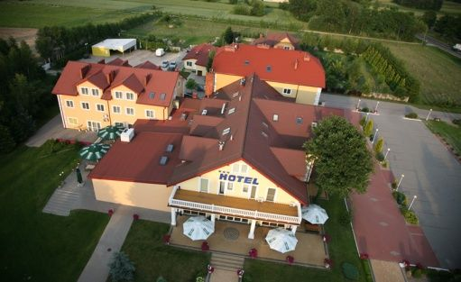 Hotel *** Hotel Chabrowy Dworek / 0