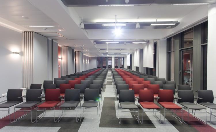 Centrum szkoleniowo-konferencyjne Centrum Konferencyjne NIMBUS / 7
