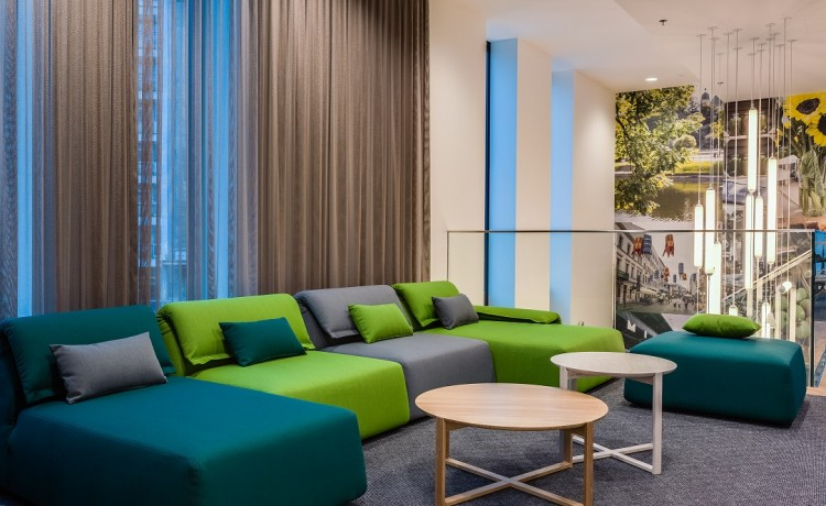 Hotel **** Holiday Inn Warsaw City Centre / 5