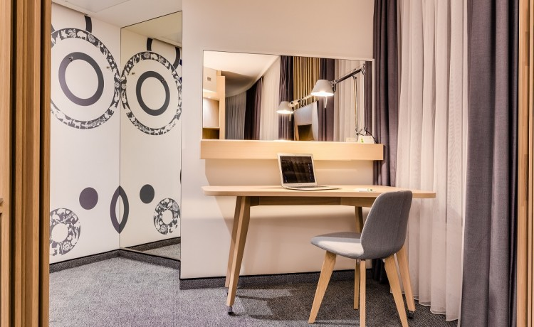 Hotel **** Holiday Inn Warsaw City Centre / 13