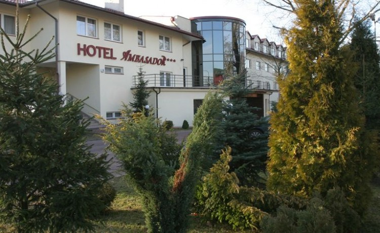 Hotel *** Hotel Ambasador Chojny / 0