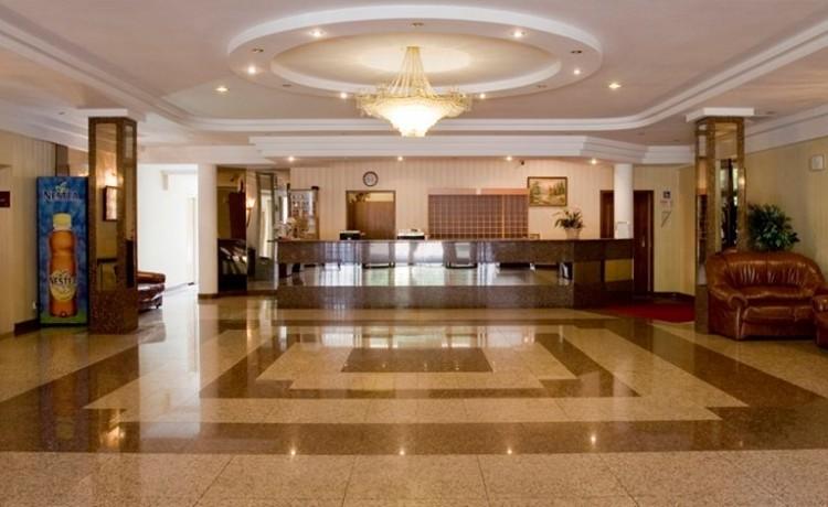 Hotel *** Hotel Ambasador Chojny / 2