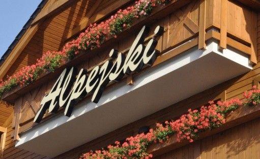 Hotel *** Hotel Alpejski w Polanicy-Zdroju / 0