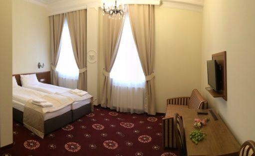 Hotel *** Hotel Restauracja President / 13
