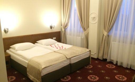 Hotel *** Hotel Restauracja President / 12