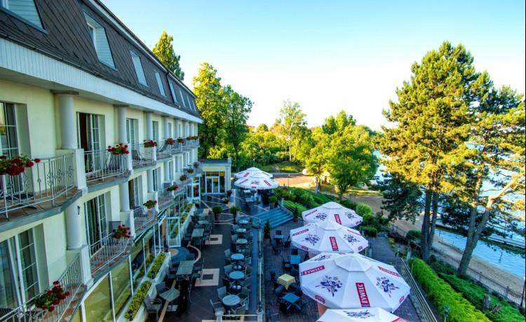 Hotel **** Hotel PIETRAK w Wągrowcu / 1