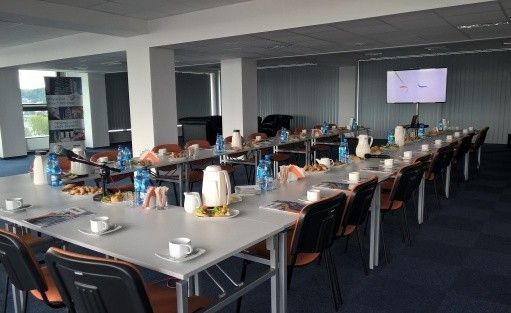 """Centrum szkoleniowo-konferencyjne  Budynek """"AKWARIUM""""  Pomorskiej Specjalnej Strefy Ekonomicznej sp. z o.o. / 2"""