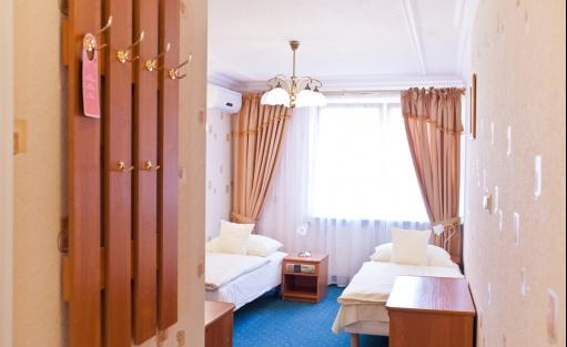 """Hotel *** Hotel Restauracja """"Dom nad rzeką""""  / 12"""