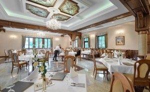 Hotel Poledno  Pałac / 0