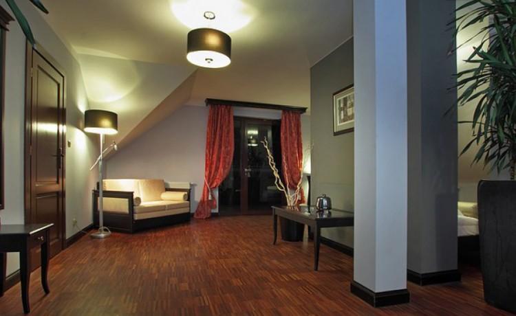Obiekt szkoleniowo-wypoczynkowy Maranello Hotel i Restauracja / 8
