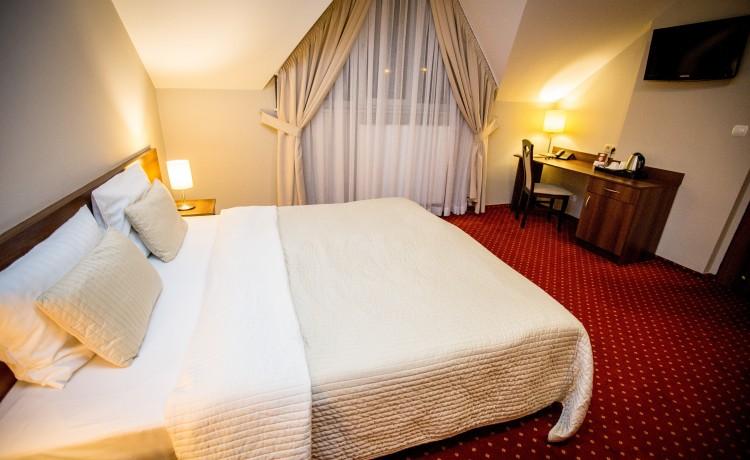 Hotel *** Hotel Kantoria / 9