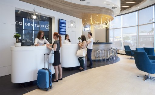 Hotel **** Hotel Golden Tulip Warsaw Airport / 0