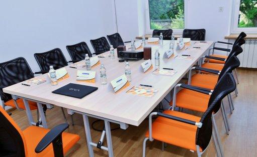 Centrum szkoleniowo-konferencyjne Meeting Room / 4