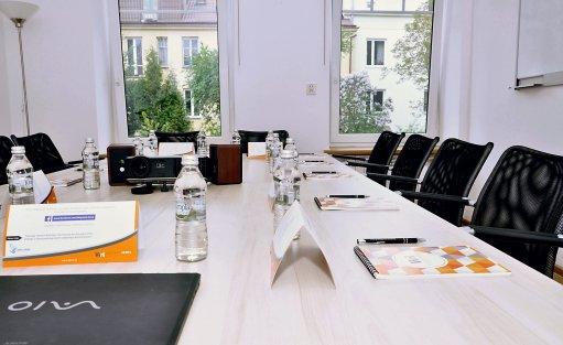 Centrum szkoleniowo-konferencyjne Meeting Room / 6