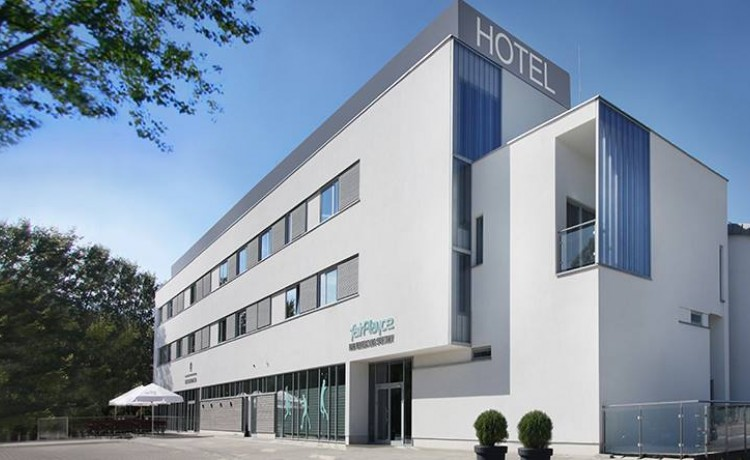 Hotel *** Hotel fairPlayce  / 1