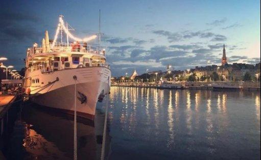 Obiekt szkoleniowo-wypoczynkowy Statek m/s Ładoga / 0