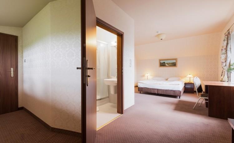 Hotel *** Hotel Folwark / 18