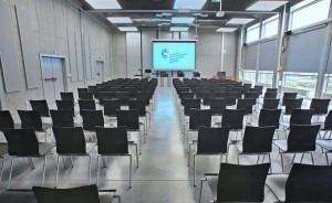 Centrum Wystawienniczo - Kongresowe w Opolu Centrum szkoleniowo-konferencyjne / 1