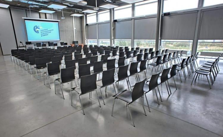 Centrum szkoleniowo-konferencyjne Centrum Wystawienniczo - Kongresowe w Opolu / 18