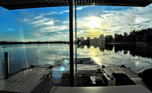 Wyjątkowe miejsce HT Houseboats / Domy na wodzie Mielno / 3