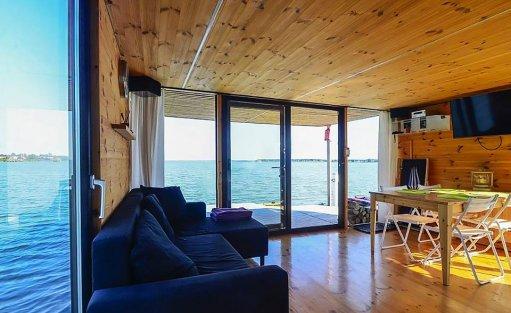 Wyjątkowe miejsce HT Houseboats / Domy na wodzie Mielno / 11