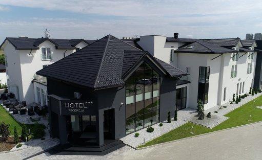 Hotel *** Czarny Staw Hotel / 1