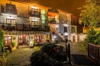 Hotel *** i Restauracja Dwa Księżyce