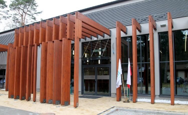 Centrum szkoleniowo-konferencyjne Centrum Konferencyjno-Wystawiennicze Instytutu Badawczego Leśnictwa / 0