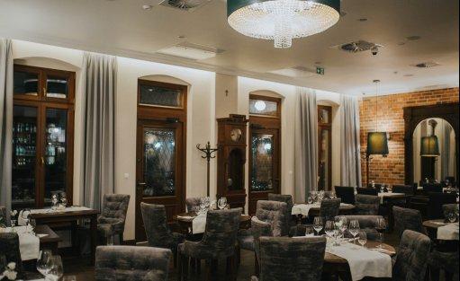 Hotel *** HG Hotel Restauracja / 1