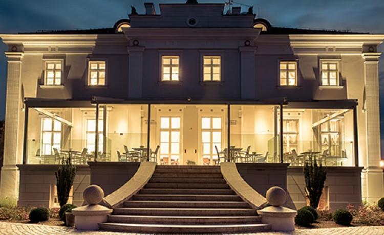 Hotel *** Hotel i Centrum Konferencyjne Jakubus / 1