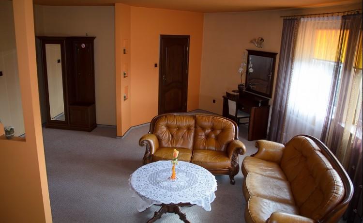 Hotel ** Zajazd Podkowa / 2