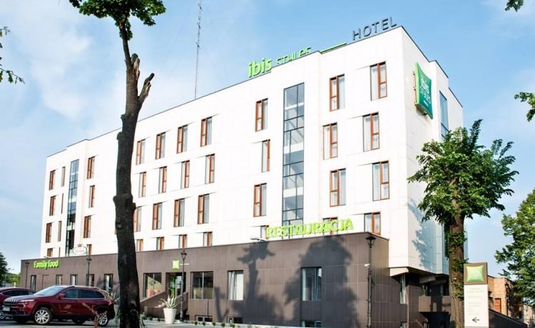 Hotel *** ibis Styles Gniezno Stare Miasto / 0