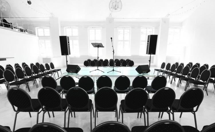 Obiekt konferencyjny City Hall / 2