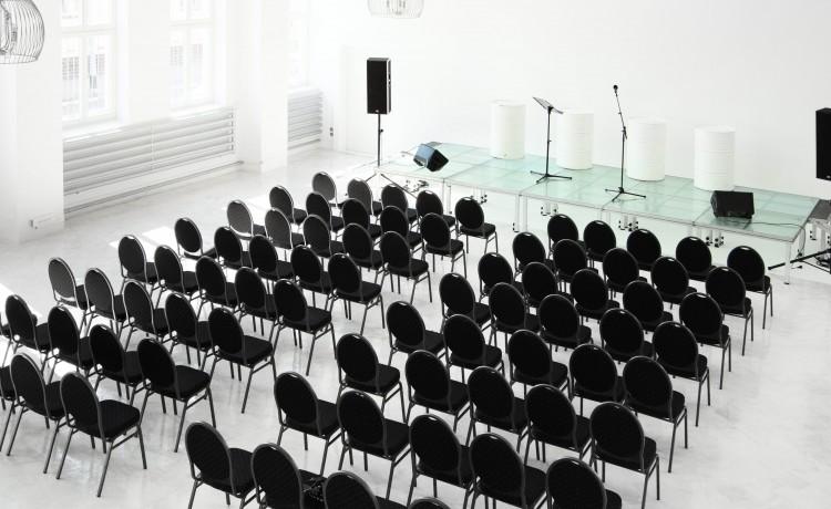 Obiekt konferencyjny City Hall / 3