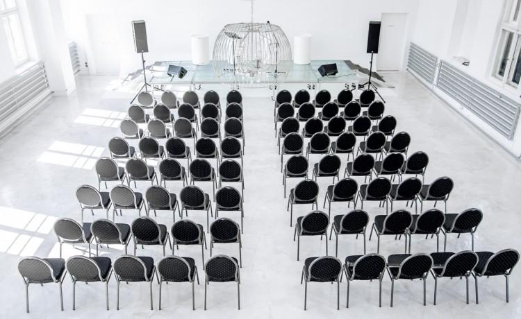 Obiekt konferencyjny City Hall / 6