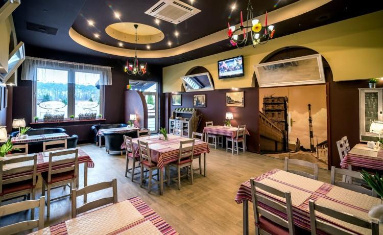 Hotel *** Hotel i Restauracja TAMADA / 5