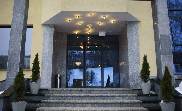 Hotel *** Krasicki Hotel Resort & Spa / 0