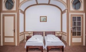 Zamek Moszna Pałace, dworki, zamki / 5