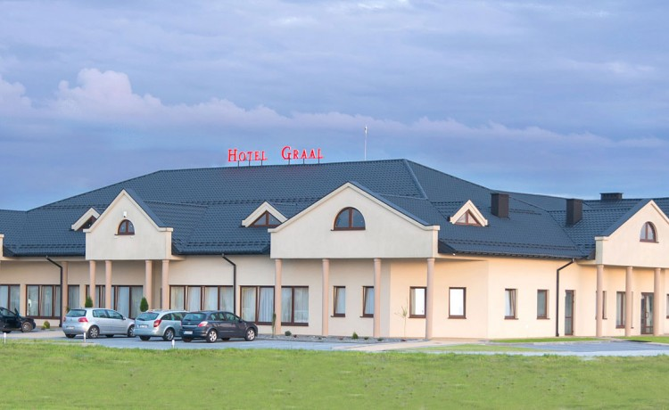 Hotel *** Restauracja & Hotel Graal *** / 2