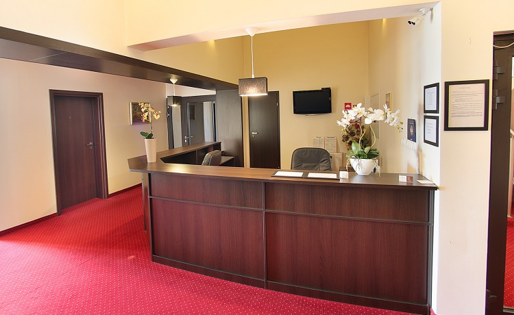Hotel *** Restauracja & Hotel Graal *** / 0