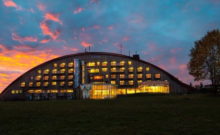 Hotel **** Hotel Montfort / 0