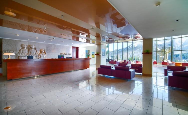 Hotel **** Hotel Montfort / 2