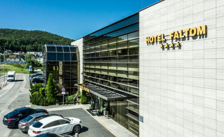 Hotel **** Hotel SPA Faltom Gdynia Rumia**** / 0
